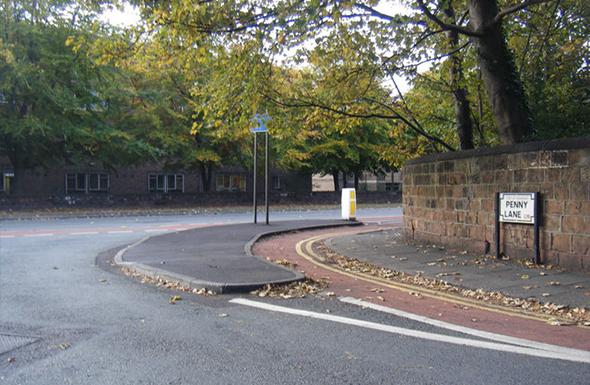 Histórica, a rua também é o nome da linha de ônibus que cruza o local. Foto de Colin Pyle, via Wikimedia Commons.