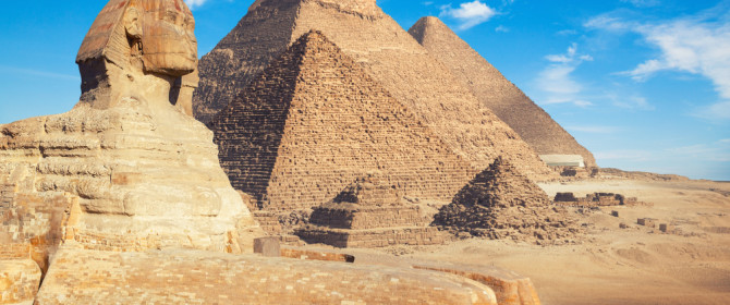 Pyramids-of-Giza-and-The-Great-Sphinx